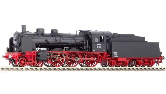 Dampflokomotive Baureihe 17.10-12 (pr. S 10.1) der DB