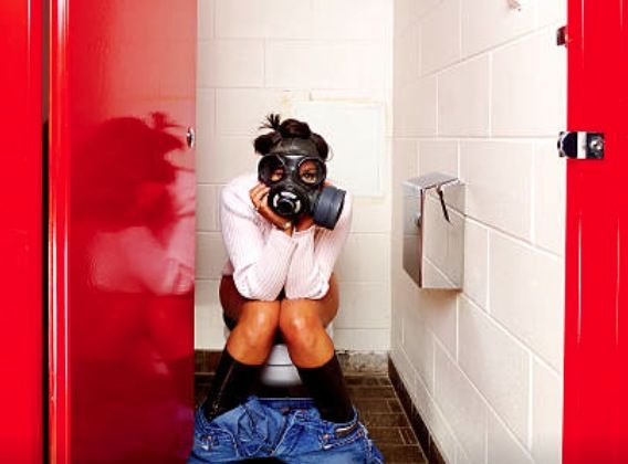 3 astuces miracles pour éliminer les odeurs aux toilettes (oui, quand vous faites caca)noté 3.4 - 27 votes Les astuces pipi-caca ça fait toujours un peu sourire, mais certains d'entre vous laissent derrière eux de véritables fosses septiques. Et nous devons remédier à cela. Pour vous, déjà, mais surtout pour les autres, «ceux qui subissent». … More