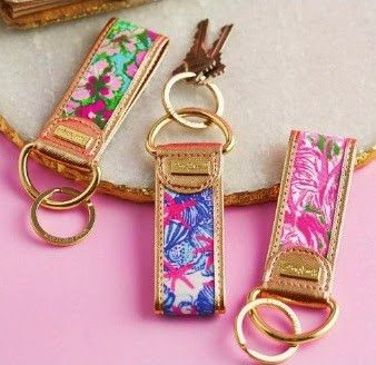 Never lose sight of your keys again with this key fob! Gold lining decorates the cotton printed design for a chic, bold look that you'll love to show off on the go. - 1.5-in. x 4-in. - Loop closure -