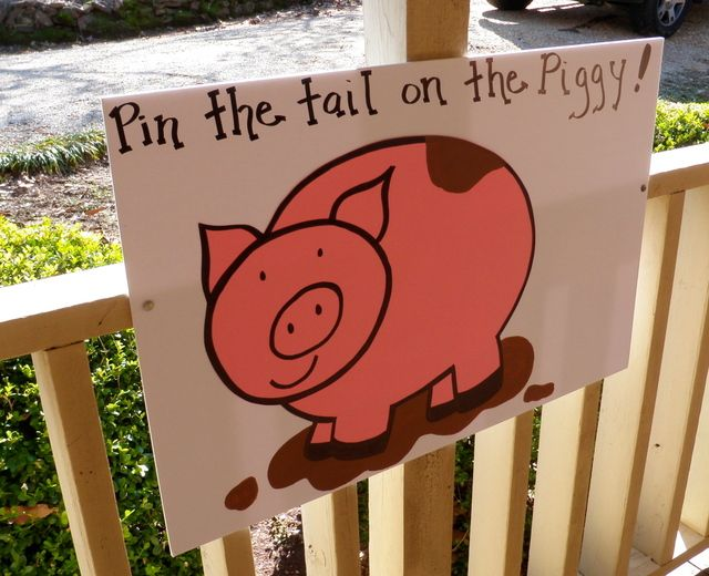 Pin the Tail on the Piggy.....down on the farm | CatchMyParty.com