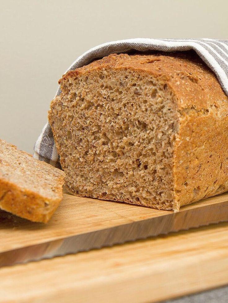 Grovt speltbrød // spelled bread