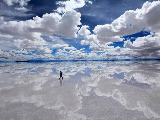 1) Salar de Uyuni – Bolivia. El mayor espejo del mundo.  Más: http://bit.ly/1m8n616