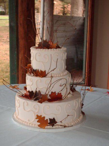 Brown Burgundy Gold Orange Fall Round Winter Wedding Cakes Photos & Pictures - WeddingWire.com