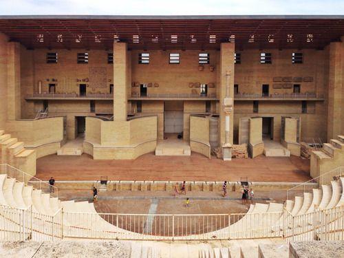 GIORGIO GRASSI, Manuel Portaceli. Restauro e riabilitazione del teatro romano di Sagunto. Progetto: 1985. Realizzazione: 1990-1993