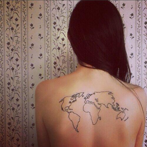 peque o tatuaje en la espalda de un mapamundi tatuajes en la espalda pinterest tatuaje en. Black Bedroom Furniture Sets. Home Design Ideas