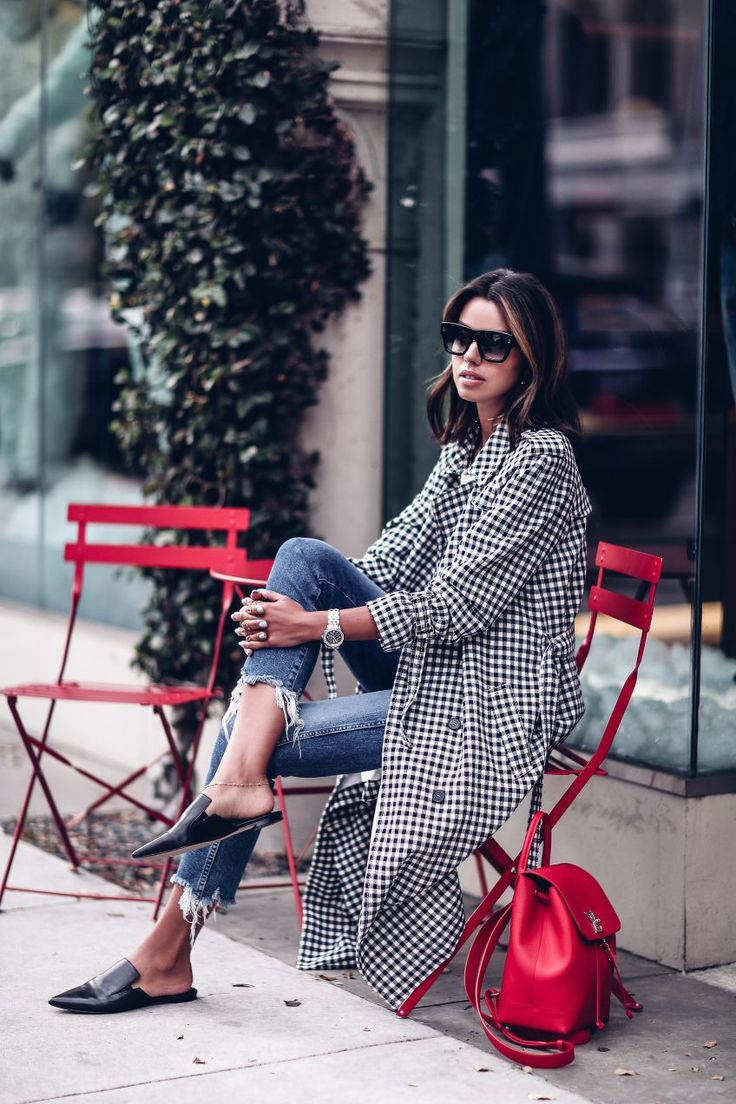 Casual outfit - plaid trench coat  + flat mules + Louis Vuitton Lock Me red backpack