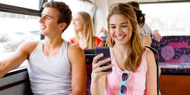 Chi trova uno smartphone perde un amico, la triste realtà per il 37% dei giovani  #follower #daynews - http://www.keyforweb.it/chi-trova-uno-smartphone-perde-un-amico-la-triste-realta-per-il-37-dei-giovani/