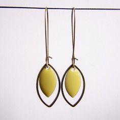 Boucles d'oreilles sequin vert anis et laiton