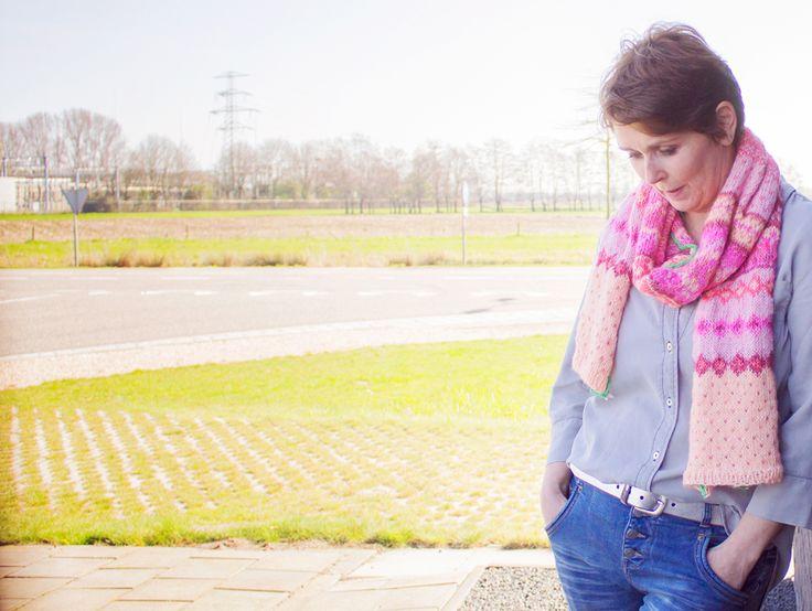 Fair Isle sjaal breien in vrolijke kleuren - Wolplein.nl | Alles voor breien en haken!