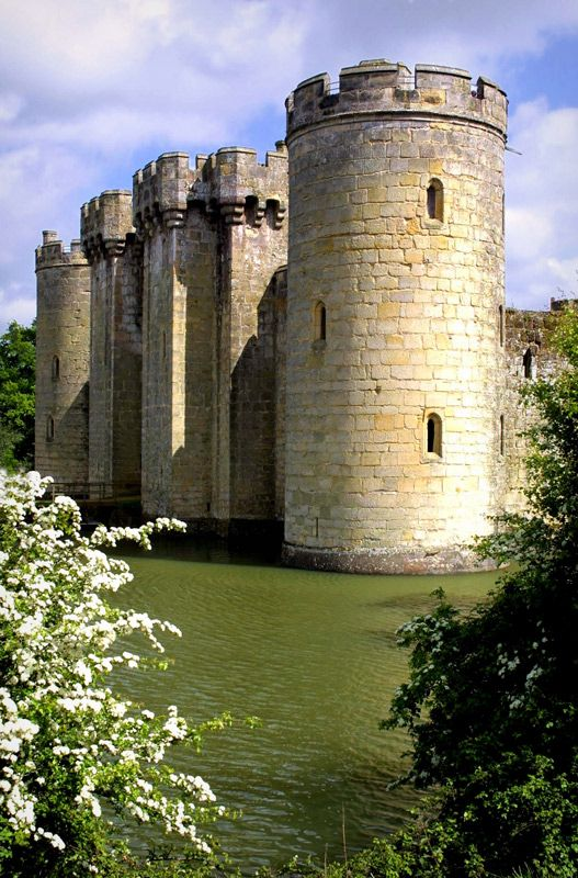 Bodiam Castle - North Side, Bodiam, East Sussex, Engalnd