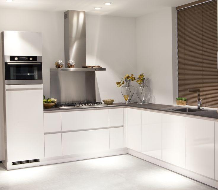Voorbeelden van een moderne hoekkeuken - Nieuwe keuken