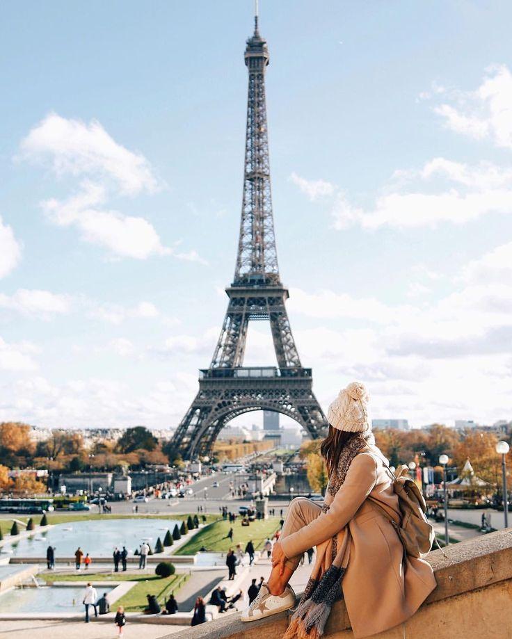 Девушка насаживает пизду на эйфелеву башню — 1
