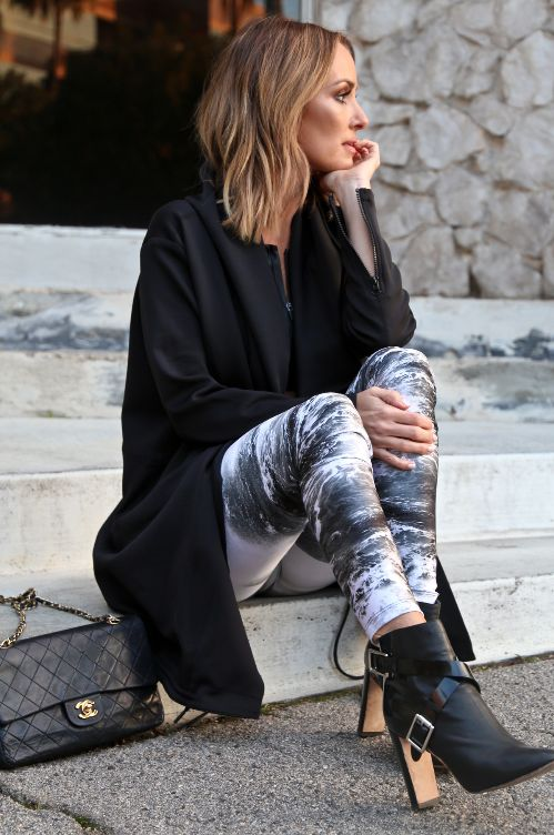 CARBON 38 — CATT SADLER