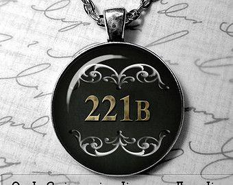 Sherlock Holmes bijoux 221 b Baker St geekery watson 221 b collier Sherlock collier porte cadeau Sherlock 221 b, je suis sherlocked BBC émission de télévision