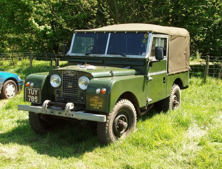 107 best land rover vintage images on pinterest land rovers landrover defender and landrover. Black Bedroom Furniture Sets. Home Design Ideas