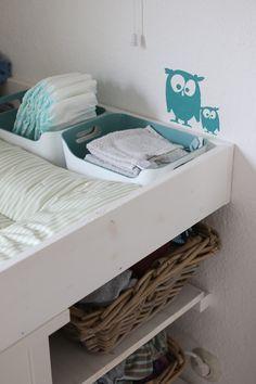 Kinderzimmer Wickeltisch, DIY, Wickelkommode http://ichsowirso.de/wer-braucht-schon-ein-kinderzimmer/