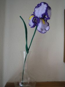 Free Crochet Pattern For Iris Flower : Great looking crochet Iris flower by an awesome crochet ...