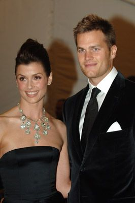 Bridget Moynahan & TOM BRADY WERE A COUPLE FOR A LONG TIME BEFORE HE MARRIED GISELLE BUNCHEN.  MOYNAHAN & BRADY HAVE A CHILD TOGETHER She has been married to Andrew Frankel since October 17, 2015.