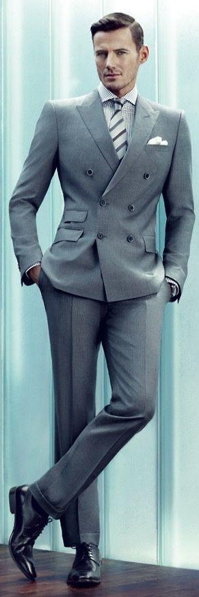 perfect fit #greysuit                                                                                                                                                                                 Más