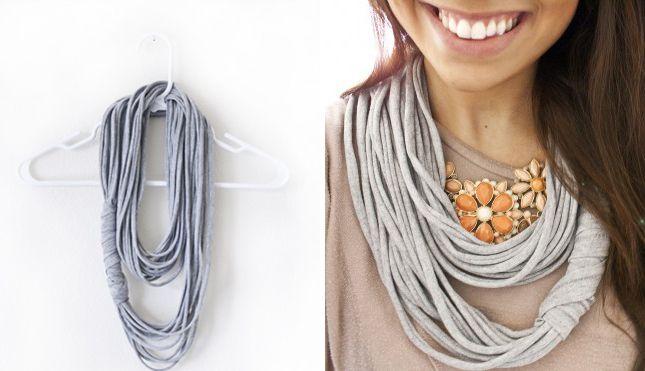 A checker ! Multi Strand Scarf | 40 Genius No-Sew DIY Projects