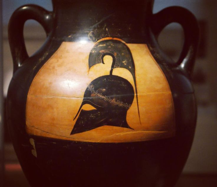 #athens #greece #europe #athina  #아테네 #그리스 #유럽 #ギリシャ #ヨーロッパ #국립고고학박물관 #nationalarchaeologicalmuseumofathens  #nationalarchaeologicalmuseum  #greekpottery #ancientgreece  #greekhelmet #corinthians #corinthianhelmet