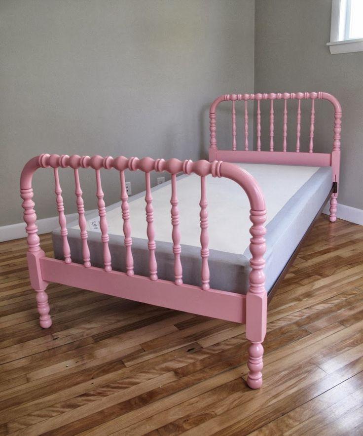 Sweet light pink jenny lind twin bed. #JennyLind #Beds #KidsBed #Pink #Netnoot www.netnoot.com