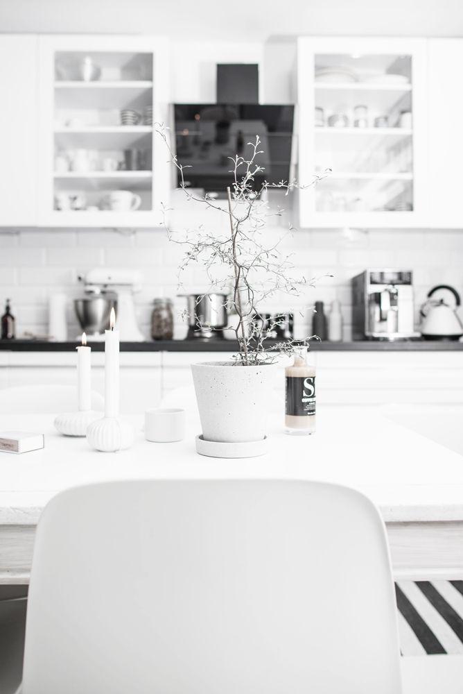 KAWA PRZY ŚWIECACH - Vashka Home scandinavian style kitchen