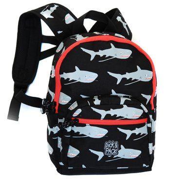 Kinderrugzak Haaien Zwart van Pick & Pack hier online kopen. Hippe kinderrugzak met haaien. Goede kwaliteit en ook zeer geschikt als schooltas!