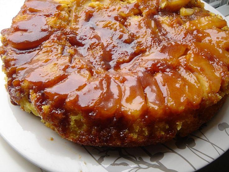 Bolo de maçã e caramelo(Robot de cozinha) - http://www.sobremesasdeportugal.pt/bolo-de-maca-e-caramelorobot-de-cozinha/