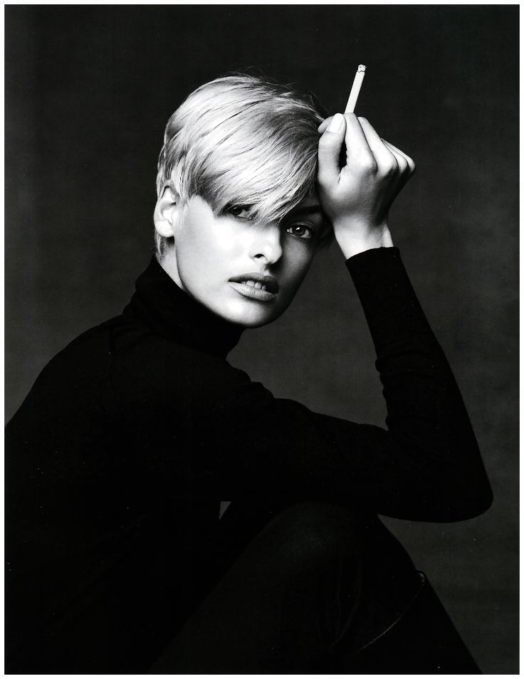 Linda Evangelista by Patrick Demarchelier  #LindaEvangelista #photography #beauty #style #fashion #BlackAndWhite #blonde #cigarette