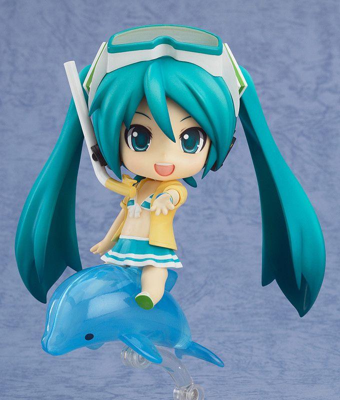 Nendoroid Hatsune Miku: Swimsuit Ver. & FamilyMart 2013 Ver.