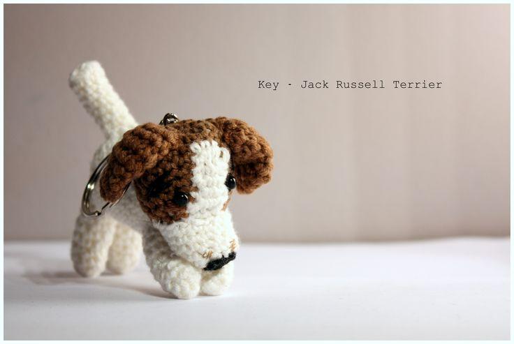 Amigurumi Jack Russell Terrier #amigurumis #jackrusselterrier #terrier #dog #pet #brelok #pies #szydełkowy #rękodzieło #crochet