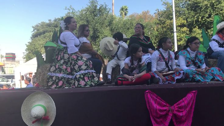 Universidad Pedro de Gante , Desfile 20 Noviembre, San Nicolas de los Garza