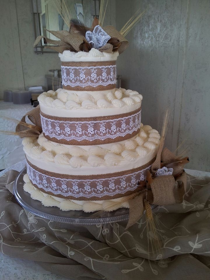 lace icing for wedding cakes 102 best wedding cakes images on 16685
