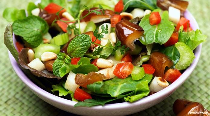Mixed Leaf Salad with Dates and Apples
