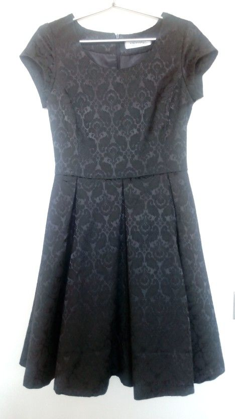 Vestido corto tableado evase brocado negro #chile #dress #fashion