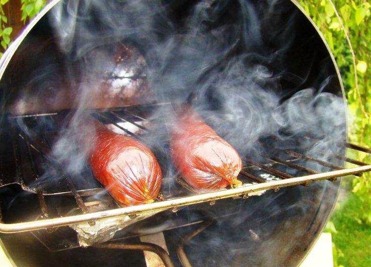 Super klobásky z Muurikka Smoker http://www.gril-muurikka.cz/muurikka-smoker-1200-p1631
