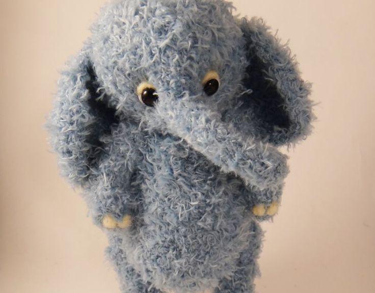 Amigurumi Fil Yapılışı ,  #amigurumifreeparttern #amigurumimodelleri #amigurumiücretsiztarifler #örgüoyuncakmodelleri , Amigurumi sevimli fil yapıyoruz bugün. Amigurumi free pattern açıklamalı modellere bir yenisini daha ekliyoruz. Çocuklarımızın bir örgü oyu...