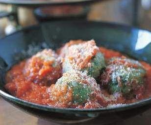 Recipe Ricotta gnocchi with tomato sauce