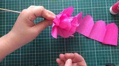 Que tal aprender a fazer flores de papel crepom para deixar sua festa junina ainda mais fofa. Linas ideias e muita inspiração! Bjs, Fabiola Teles. ...