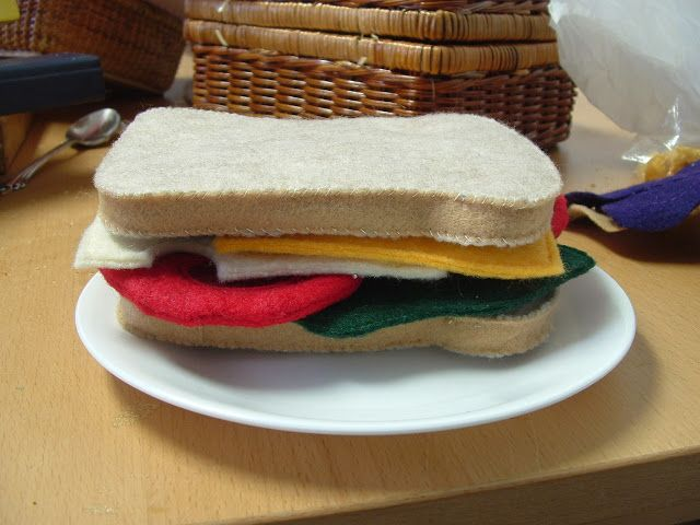 Pieces by Polly: The Coolest Thing Since Sliced Bread...(Felt-Food Cook-Along) - Day 24