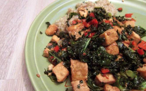 Tofua ja lehtikaalia sitruuna-chilikastikkeessa.
