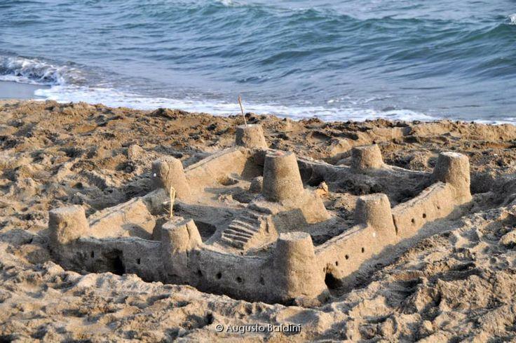 Castelli di sabbia .. si ma in riva al mare!!