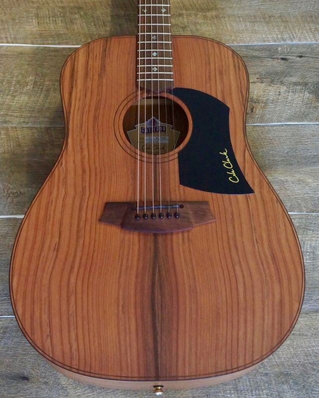Pin By Davipkip On Acoustic Guitar Guitar Acoustic Acoustic Guitar