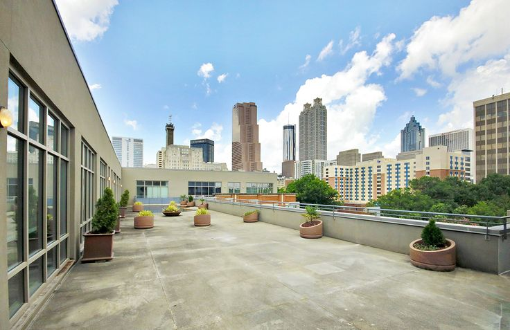 Check out that #Atlanta skyline! Reimagine your life at Dwell ATL Luxury Apartments, downtown Atlanta's luxury #apartment community with easy access to I-75, I-85, and I-20.
