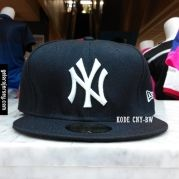 New Era Cap – NY New York Yankees – Black White  Visit our webstore to grab it!!  #newera #topi #caps #hats #baseball #mlb #skateboard #hiphop #bboy #dance #59fifty #fitted #snapback #losangeles #la #dodgers #gelorajersey