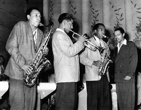 Lucky Thompson, Dizzy Gillespie, Charlie Parker and Billy Eckstine. Billy Eckstine Big Band, Pittsburgh, the late 1940s. Photo by Teenie Harris