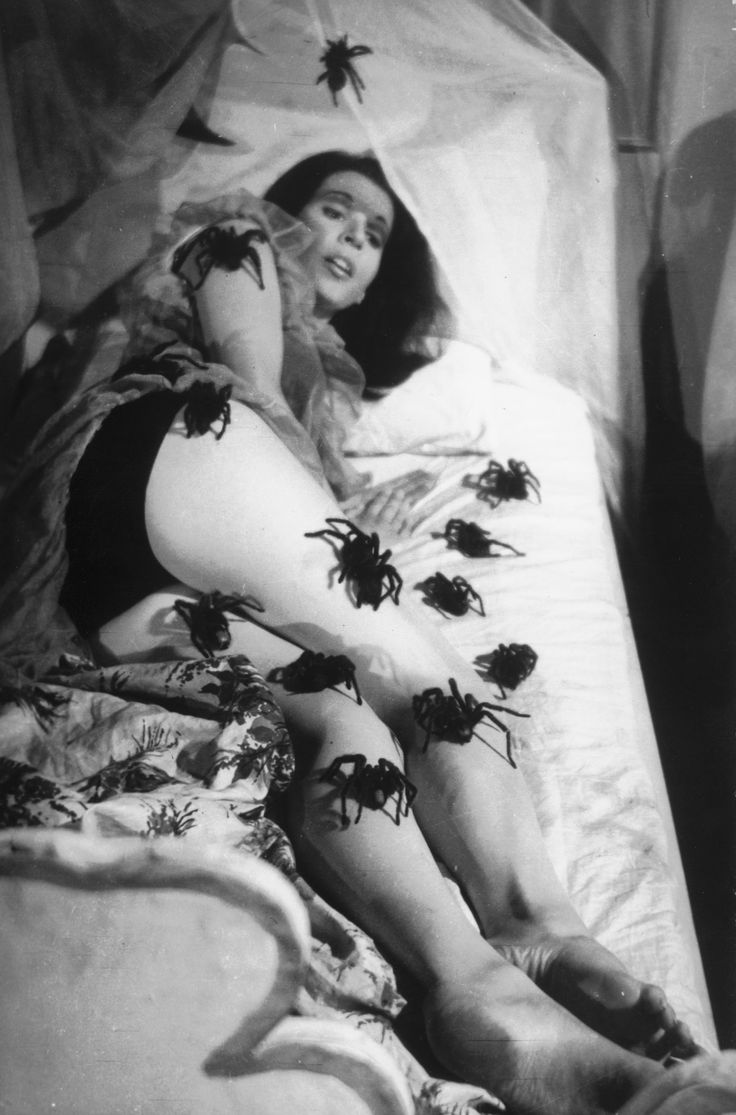 """Fechorías de Zé do Caixão en """"Esta Noite Encarnarei no Teu Cadáver"""" (1967)"""