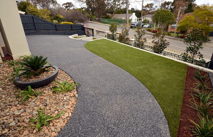 Front Curving Path | by by Supreme Green Landscaping
