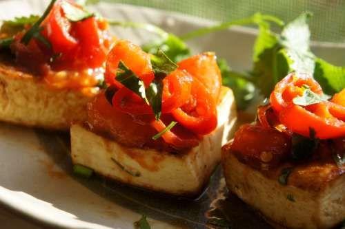 Pan fried tofu with chili & tomato salsa (low FODMAP, gluten free, vegan)